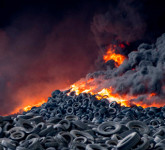 Tyre dump fire in Seseña, Toledo (Spain): Who is going to put the fire out?